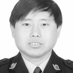 记泰和县公安局工业园区派出所所长刘赳
